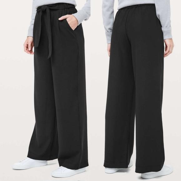 Lululemon Noir Pant Woven Black Size 2